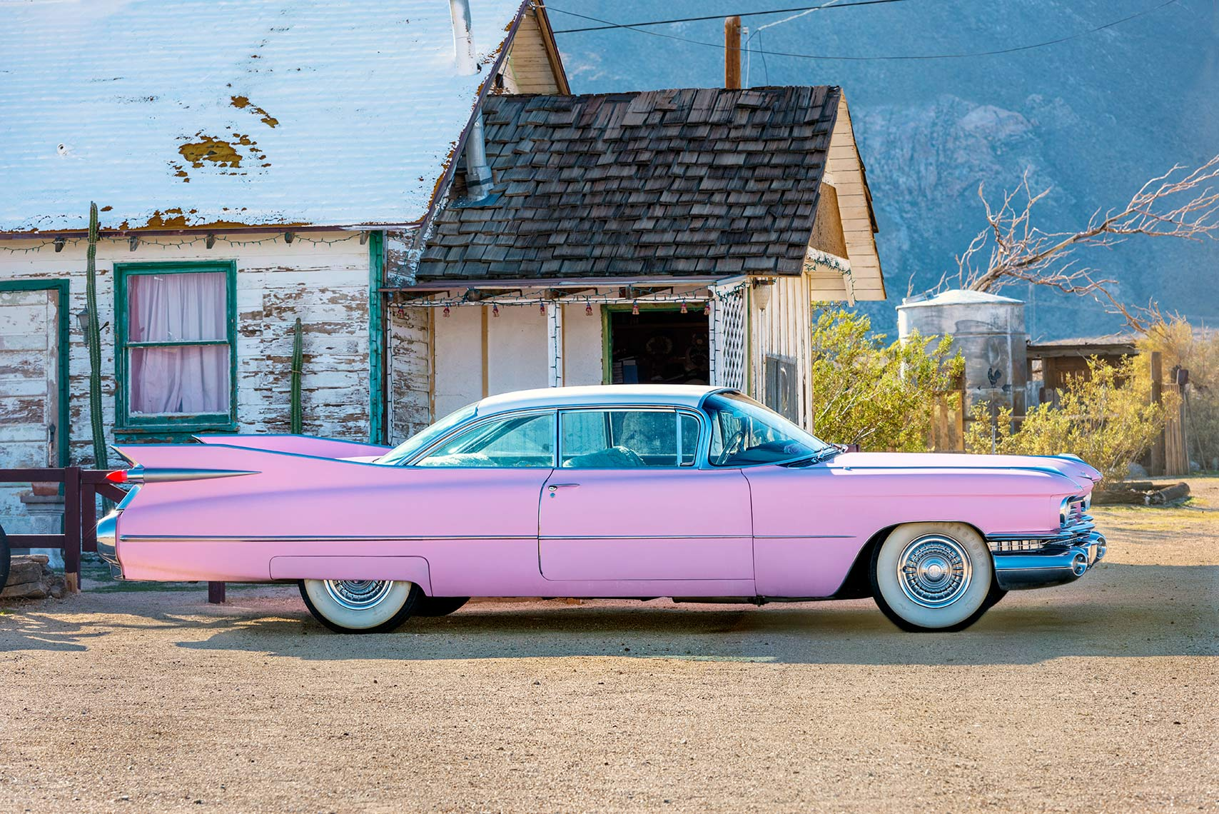 Pink Cadillac-Jerry Lee Lewis-Bruce Springsteen-Clint Eastwood-Genearal Motors-classic cars
